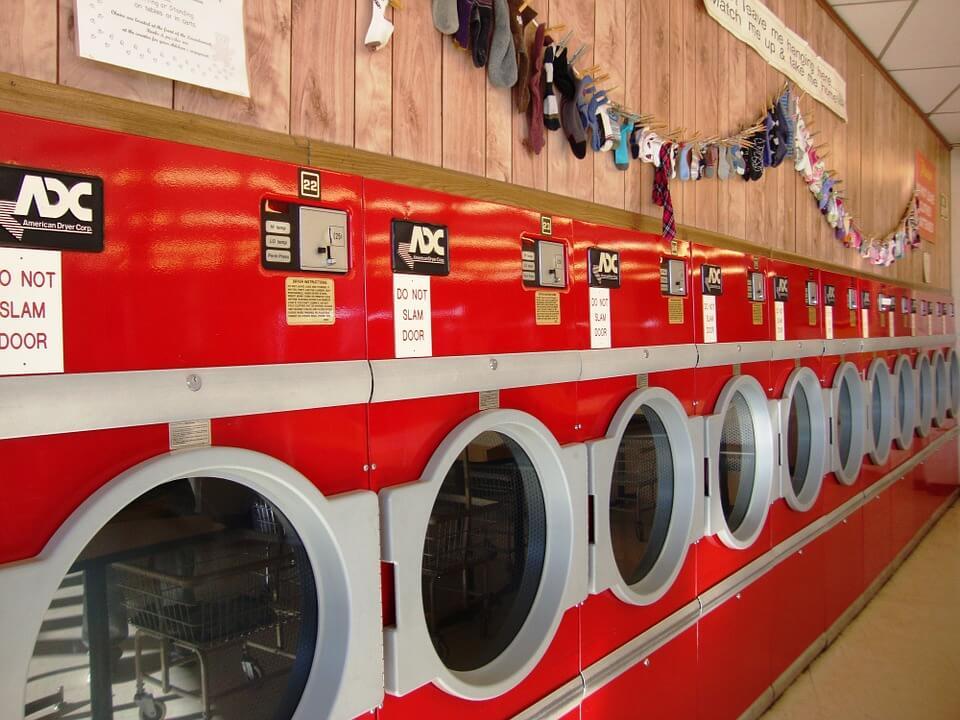 Mau Bikin Sendiri atau Ambil Paket Usaha Laundry?