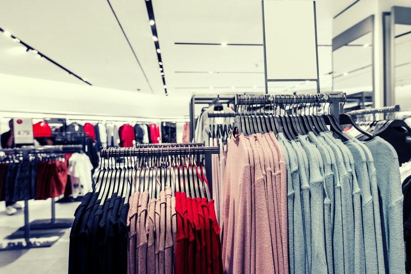 Cara Bisnis Baju Distro Kecil-Kecilan yang Mudah dan Menguntungkan
